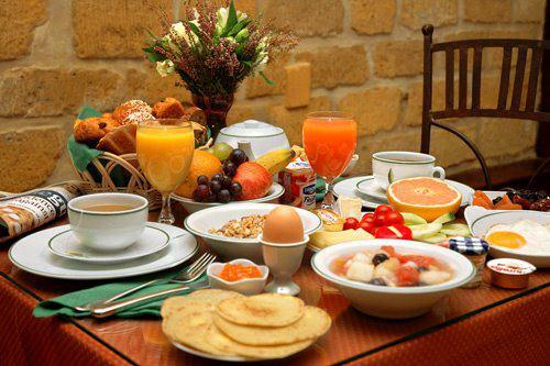 چیدمان و پذیرایی در صبحانه