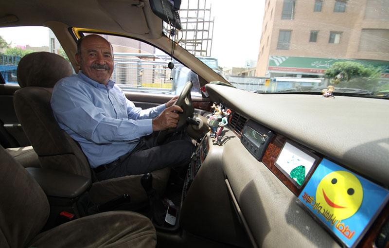 حضور ابراهیم دهباشی خوش اخلاق ترین راننده تاکسی ایران در حالا خورشید