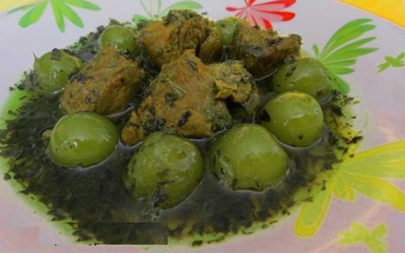 طرز تهیه خورش نعناع و جعفری با گوجه سبز