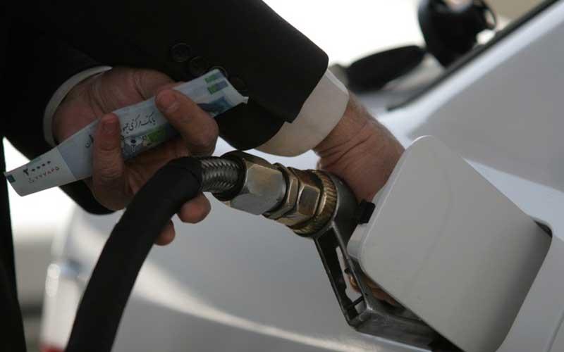پنجشنبه ۱۲ اردیبهشت بنزین سهمیه بندی نمی شود