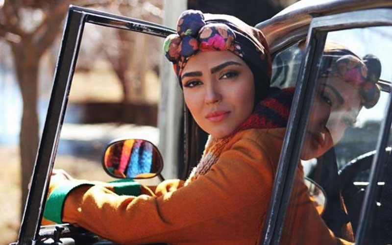 بیوگرافی مونا کرمی بازیگر نقش بنفشه در سریال دل دار