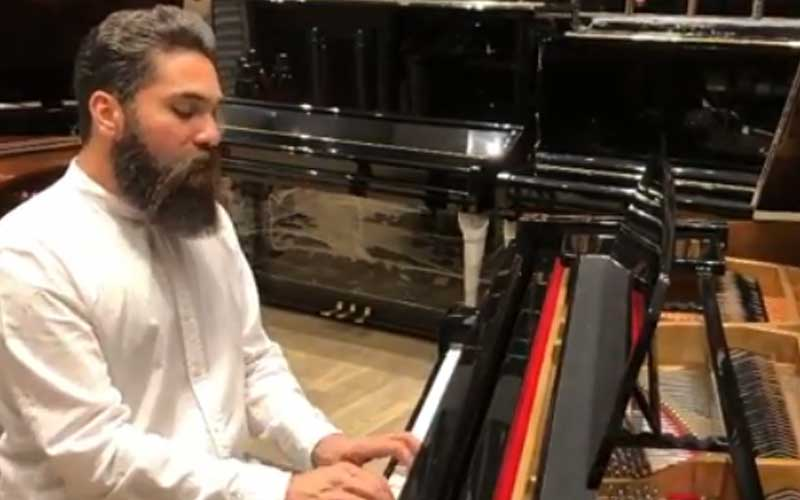علی زندوکیلی آهنگ آخرین بار آقای صدا را بازخوانی کرد