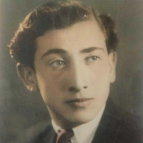 داریوش اسدزاده در جوانی