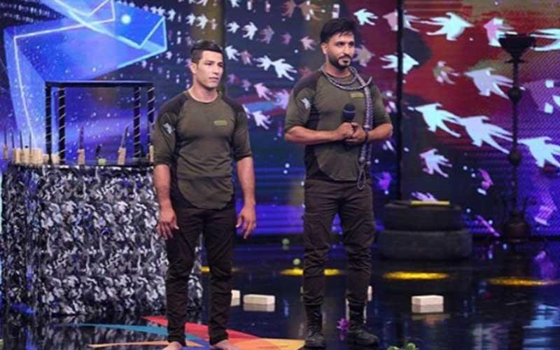 اجرای گروه سربازان وطن در نیمه نهایی عصرجدید