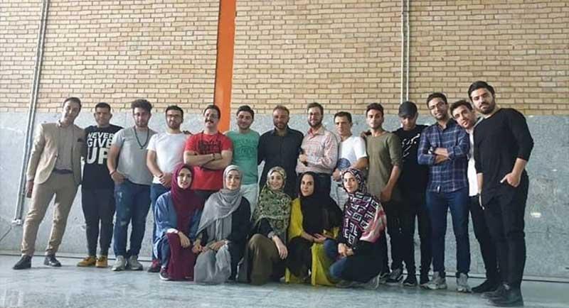 بشیر-حسینی-و-بچه-های-عصرجدید