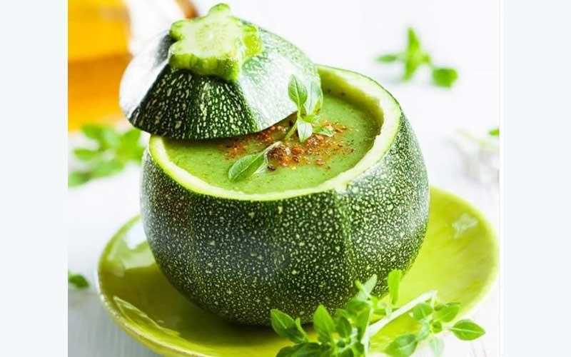 طرز تهیه سوپ اسفناج و کدو سبز+ استاک سبزیجات
