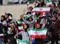 ویدئوی اولین حضور زنان ایرانی در استادیوم با حضور بانوان هنرمند