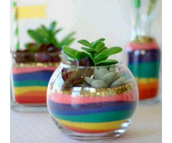گل و گیاه در تنگ شیشه ای