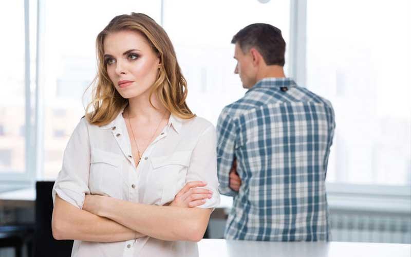 چرا من در تصمیم گیری شوهرم نقشی ندارم