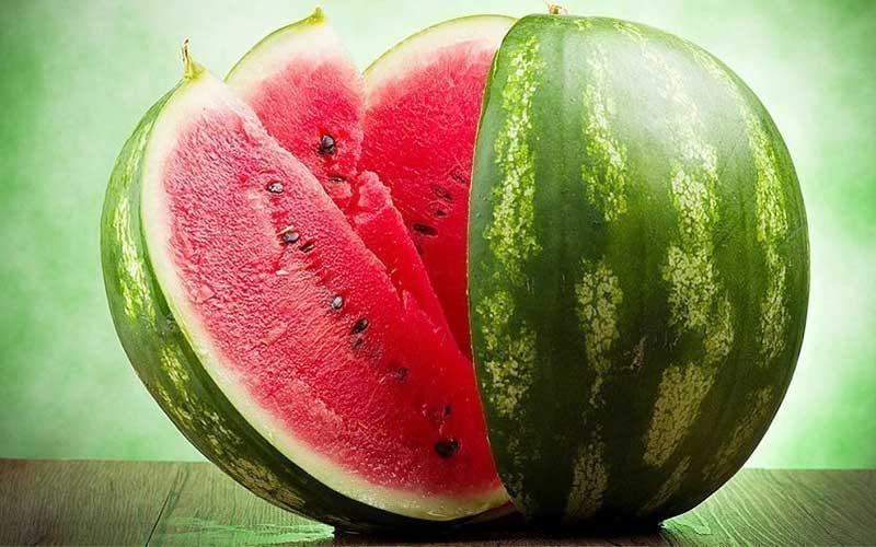 ۷ راه تشخیص هندوانه رسیده شب یلدا